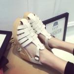 รองเท้าส้นสูงสีขาว แบบส้นหนา หุ้มส้น มีเข็มขัดรัดข้อเท้า แฟชั่นยุโรป
