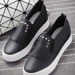 รองเท้าผ้าใบแฟชั่นเกาหลีสีดำ วัสดุหนัง แต่งภู่ระบาย ประดับหมุดสีเงิน แบบสวม น่ารัก ดูดี ไม่ซ้าใคร ใส่ลำลอง