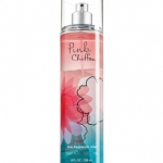 Bath & Body Works Pink Chiffon Fine Fragrance Mist 236 ml. สเปร์ยน้ำหอมที่ให้กลิ่นติดกายตลอดวัน กลิ่นหอมใหม่ที่หอมมากๆ กลิ่นของผลแพร ผสมกับกลิ่นของกล้วยไม้ กลิ่นวนิลานุ่มๆ และกลิ่น Chiffon Musk ผสมผสานกลิ่นได้หอมหวานลงตัวสุดๆคะ