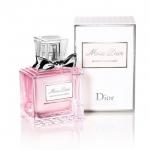 Christian Dior Miss Dior Blooming Bouquet 30ml. กลิ่นหอมหวานๆ ทรงพลังแห่งเสน่ห์ น่าหลงใหลในแบบฉบับสาวยุคใหม่มอบความหอมกลิ่นละมุนละไมจากดอกไม้นานาพันธุ์ น้ำหอมที่ให้ความรู้สึกเป็นหญิง เย้ายวนใจด้วยกลิ่นหอมอ่อนๆ ของดอกไม้นานาพันธุ์ที่สอดประสานกัน