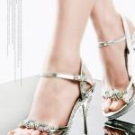 แฟชั่นรองเท้า เคล็ดลับวิธีการใส่รองเท้าส้นสูงในช่วงฤดูฝน