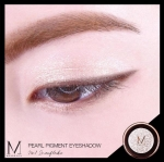 Merrezca Pearl Pigment Eyeshadow #No.1 Snowflake เนื้อสีขาววิ้ง สีที่สามารถมิกซ์แอนด์แมทช์ได้ทุกลุค ไม่ว่าจะแบ๋วแบบดูตากลมโต หรือลุคไหนๆก็ปัง อายแชโดว์พิกเม้นแน่นๆ ให้ตาวิ้ง วาว สไตล์สาวยุคใหม่ เปล่งประกายตลอดวัน เนื้อละเอียด ประกายชิมเมอร์วิ้งๆกระจาย แตะ