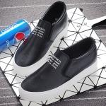 รองเท้าผ้าใบแฟชั่นผู้หญิงสีดำ วัสดุหนัง พื้นหนา แบบสวม เรียบง่าย ดูดี แฟชั่นเกาหลี