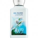 Bath & Body Works Sea Island Cotton Body Lotion โลชั่นถนอมผิวกลิ่นหอมติดผิวกายนานตลอดวัน กลิ่นนี้จะมีความหอมสะอาดอ่อนๆ แบ้วๆ ใสๆ คล้ายกลิ่นแป้งเด็กค่ะ ใครได้กลิ่นก็อยากอยู่ใกล้ๆ