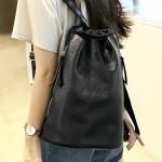 กระเป๋าเป้แฟชั่นสีดำ สะพายหลัง ทรงถุง วัสดุPU หนังนิ่ม แบบซิป วัยรุ่น แฟชั่นเกาหลี