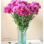 Green Glass Vase แจกันแก้วสีเขียว ลายนูน