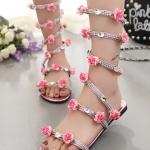 รองเท้าแตะแฟชั่นสีชมพู แบบพันข้อเท้า Rhinestone สไตล์โรมัน ประดับดอกไม้น่ารัก กำลังฮิต ส้นแบน แฟชั่นเกาหลี