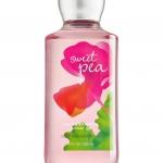 Bath & Body Works Sweet Pea Shower Gel 295 ml. เจลอาบน้ำ กลิ่นดอกสวีทพี หอมหวานสดใส คล้ายเยลลี่สีชมพูในถ้วยใส ด้วยความหอมน่ารักสดใสซุกซน ทำให้กลิ่นนี้เป็นที่ติดใจของสาวๆวัยรุ่นจนยากจะเปลี่ยนใจเลยค่ะ