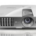 BenQ W1070 1080p Full HD 3D home theater projector ความสว่าง(ANSI Lumens)2000 ความละเอียด(พิกเซล)1920x1080 (Full HD) ค่า Contrast เท่ากับ10,000:1 น้ำหนัก2.8kg