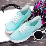 รองเท้าผ้าใบแฟชั่นผู้หญิงสีฟ้า พื้นขาว ส้นเตี้ย แบบเชือกผูก น่ารัก ทรงทันสมัย แฟชั่นเกาหลี