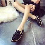 รองเท้าคัชชูผู้หญิงสีดำ ทำจากหนัง หัวหลม ประดับภู่ระบาย แนวย้อนยุค วินเทจ แฟชั่นเกาหลี