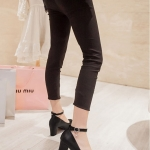 รองเท้าทำงานส้นสูงสีดำ แบบส้นหนา หุ้มส้น หัวกลม ส้นสูง6cm มีเข็มขัดรัดข้อเท้า ทรงสุภาพ แฟชั่นเกาหลี