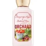 Bath & Body Works Honeycrisp Apple & Buttered Rum Orchard Body Lotion 236 ml. โลชั่นบำรุงผิวสุดพิเศษ ช่วยในการบำรุงผิวพรรณให้อ่อนนุ่ม กลิ่นหอมสดชื่น ติดทนนาน กลิ่นหอมของแอปเปิ้ลผสมกับกลิ่นรัมอ่อนๆ และมีความหอมนุ่มของมัคส์ปลายๆกลิ่น หอมแนะนำคะ