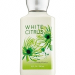 Bath & Body Works White Citrus Body Lotion 236 ml. กลิ่นนี้จะมีความหอมสดชื่นซีตัสมากๆ คล้ายกลิ่นของไอศรีมรสมะนาว ใครที่เบื่อกลิ่นหอมของดอกไม้ลองเปลี่ยนมาใช้กลิ่นนี้ดูรับรองไม่ผิดหวังค่ะ