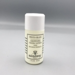 Sisley Phyto-Blanc Lightening Toning Lotion ขนาดทดลอง 30ml. โลชั่นปรับสภาพผิวหลังการล้างหน้า รูขุมขนดูกระชับ ผิวละเอียดใสนวลเนียน รู้สึกสดชื่น เปล่งประกายแบบผิวสุขภาพดี สามารถรับคุณค่าบำรุงจากผลิตภัณฑ์บำรุงผิวในขั้นตอนต่อไปได้ดียิ่งขึ้น