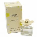 Marc Jacobs Daisy Eau So Fresh EDT ขนาดทดลอง 4 ml. ความหอมสดชื่น และเสน่ห์อันน่าหลงใหลของกลิ่นหอม แนวกลิ่นผลไม้ และดอกไม้แสนเย้ายวนใจ การออกแบบขวดจะออกแบบให้สูงกว่าและฝาจะออกแบบให้มีดอก Daisy ที่มีสีสันมากกว่า ฝาเป็นดอกเดซี่น่ารัก