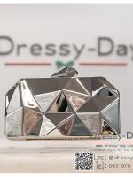 กระเป๋าออกงาน TE033 : กระเป๋าออกงาน พร้อมส่ง สีเงิน สวยเก๋แบบไม่ซ้ำใคร ใช้สะพายออกงานเช้า กลางวัน หรือถือไปงานกลางคืน ออกเดท สวยหรูดูดีที่สุด