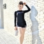 ชุดว่ายน้ำแขนยาวกัน uv สีดำ รอบอก34-40 รอบเอว 26-30 สะโพก 36-42 นิ้ว ตัวเสื้อยาว23 กางเกงยาว 9นิ้วค่ะ ผ้าดี งานสวยค่ะ thumbnail 1