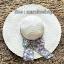 หมวกปีกกว้าง หมวกเที่ยวทะเล หมวกปีกว้างสีน้ำตาลอ่อนน่ารักๆค่ะ แต่งโบว์ใหญ่ลายดอกไม้วินเทจรอบเก๋ ๆ thumbnail 3
