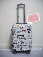 กระเป๋าเดินทาง 20 นิ้ว ลาย Love