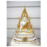 พระพุทธรูปปางมารวิชัย ซุ้มแก้ว ( พระพุทธชินราช ) สีขาว เนื้อเรซิ่น หน้าตัก 5 นิ้ว สูง 13 นิ้ว (รวมฐาน)