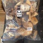 ไม้ผุชิ้นย่อยที่ไม่ได้ขนาดและผุทุกชิ้น เนื้อไม้ Premium Grade ขนาด 1 ถุง (1 กิโลกรัม)