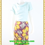 3093ชุดทำงานคนอ้วน เสื้อผ้าคนอ้วนคอตั้งปกตลบสีมิ้นท์แต่งคู่กระโปรงลายดอกใหญ่สไตล์วินเทจ สุภาพสวมใส่ได้หลายโอกาส
