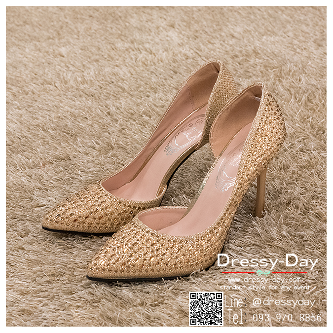 รหัส รองเท้าไปงาน : RR004 รองเท้าเจ้าสาวสีทอง พร้อมส่ง ตกแต่งกริตเตอร์ สวยสง่าดูดีแบบเจ้าหญิง ใส่เป็นรองเท้าคู่กับชุดเจ้าสาว ชุดแต่งงาน ชุดงานหมั้น หรือ ใส่เป็นรองเท้าออกงาน กลางวัน กลางคืน สวยสง่าดูดีมากคะ ราคาถูกกว่าห้างเยอะ