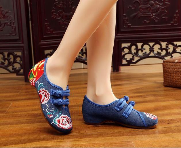 รองเท้าจีน ลายดอกกุหลาบคาดกลางสีน้ำเงิน ไซส์ใหญ่