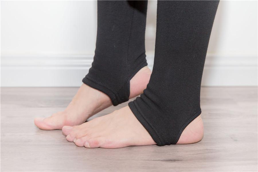 กางเกงเลคกิ้งเหยียบส้นเกาหลี (ผ้าหนาไม่บุขน) ปลีก 350 / ส่ง 320