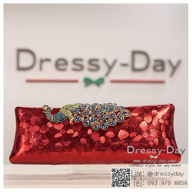 กระเป๋าออกงาน TE036 : กระเป๋าคลัช ออกงานพร้อมส่ง สีเแดง สวยเก๋หรูกับที่เปิดเป็นเพชรลายนกยูง ถือออกงานก็สวย สะพายออกงานก็ปังแบบดาราใช้ ราคาถูกกว่าห้าง