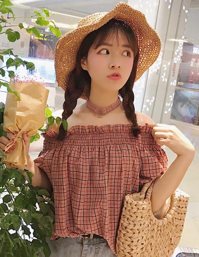เสื้อแฟชั่นปาดไหล่ลายสก๊อตใส่สายคล้องคอเก๋ๆสไตล์เกาหลี-1623-สีแดง