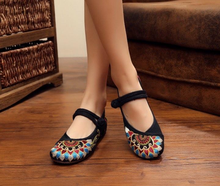 รองเท้าจีน ลายไทย สีดำ ไซส์ใหญ่