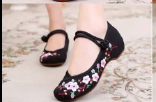 รองเท้าจีน สีดำ ลายซากุระ
