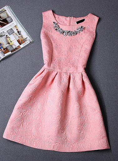 ชุดเดรสออกงาน แบบสวยหรูด้วยลวดลายในผ้าแถมตริสตัล-1300-สีชมพู
