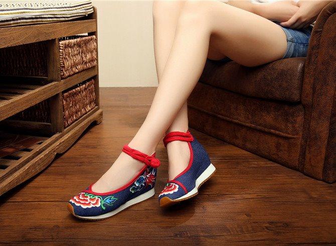 รองเท้าจีนลายดอกไม้ สียีนส์ ไซส์ใหญ่