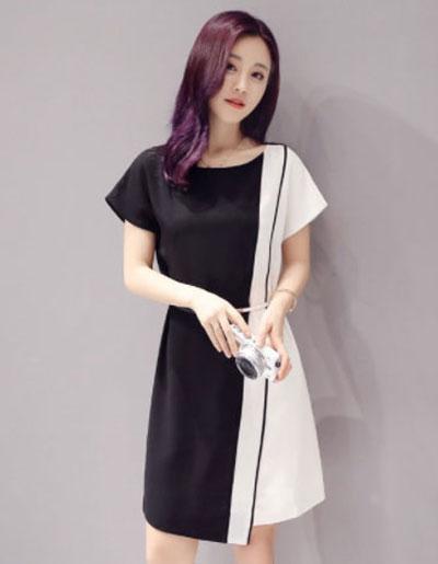 ชุดเดรสแฟชั่นแต่งผ้าสลับสีขาวดำใส่ทำงานหรือออกงานได้สวยน่ารักสไตล์เกาหลี รหัส 1744
