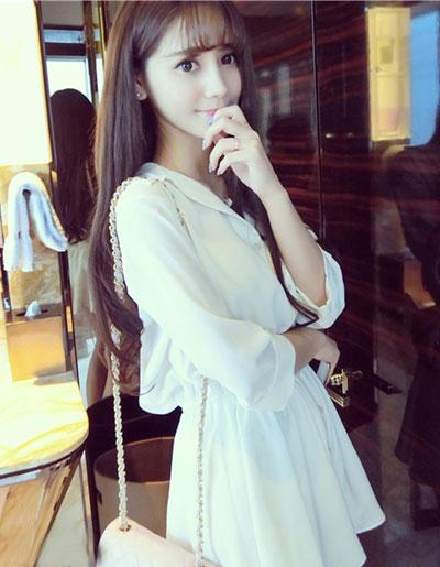 เสื้อแฟชั่นกึ่งเดรสคอปก สีขาว รูปทรงบานพริ้วสวยหวานสไตล์เกาหลี รหัส 1742