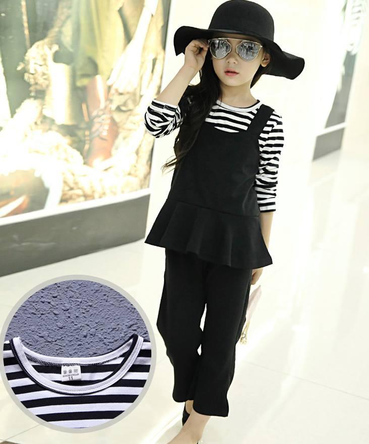 ชุดเด็ก : ชุดเซ็ตเสื้อแขนยาวสีขาว-ดำ+เสื้อกั๊กสีดำ+กางเกง