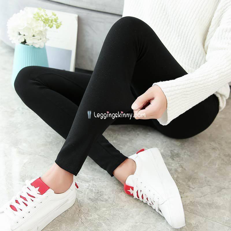 กางเกงเลกกิ้ง Leggings ขาตัดสีดำ