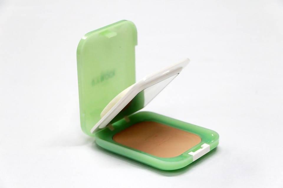 Celina UV Block SPF15 Powder Foundation แป้งพริ้ตตี้ เซลีน่า ตลับจริง ใช้ปกปิดริ้วรอย ชนิดปกปิดเนียนๆ