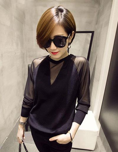 เสื้อยืดแฟชั่นสีดำ แต่งแขนซีทรู สวยปนเท่ห์สไตล์เกาหลี รหัส 1693