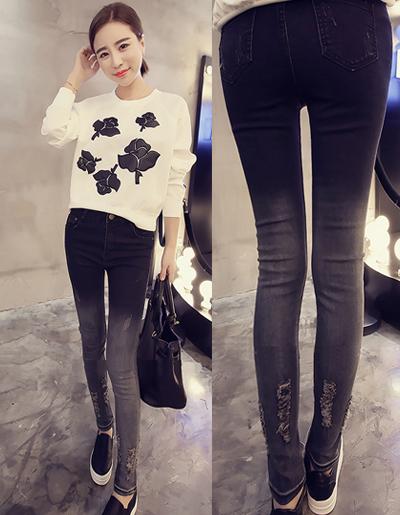 กางเกงยีนส์แฟชั่น แบบขาดๆปลายขาไล่เฉดตามแบบ-1562-สีดำ