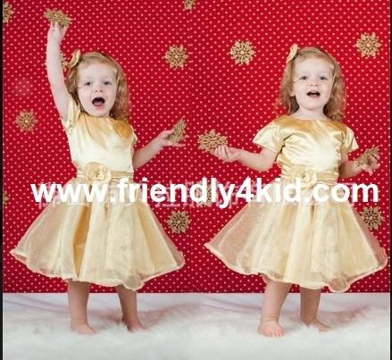 ชุดเด็ก : เดรสสีเหลืองทองแต่งดอกกุหลาบ