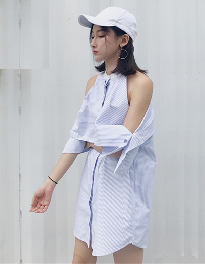 ชุดเดรสแฟชั่นผ้าเชิ๊ตคอกลม แต่งเก๋โชว์ไหล่สวยๆสไตล์เกาหลี รหัส 1654