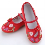 รองเท้าจีนแบบเว้า ลายดอกสีแดง