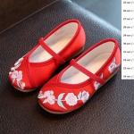 รองเท้าจีนลายดอกไม้ใหญ่ สีแดง
