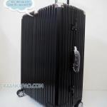 กระเป๋าเดินทางขอบอะลูมิิเนียมล็อค 29 นิ้ว หูหิ้วหนัง รุ่น 811 สีดำ
