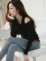 เสื้อยึดแฟชั่นคอกลม แขนยาวโชว์หัวไหล่-1437-สีดำ