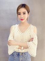 เสื้อแฟชั่นสีขาวคอวี ผ่าไหล่ แต่งผ้าลูกไม้สวยหวานสไตล์เกาหลี-1676
